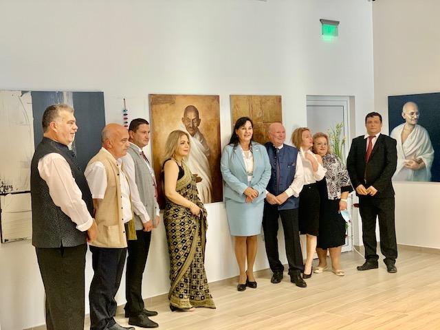 тържествена изложба по случай рождението на Махатма Ганди